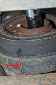 Tim kept an eye on this timing mark on the crank pulley to make sure he'd gone a full revolution.