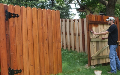 Build a shadowbox privacy fence extreme how to for Diy fence gate designs