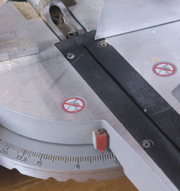 Set the miter saw at 10 degrees and carefully lock.