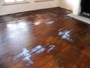 A water-based sealer will hold the stain color close to its