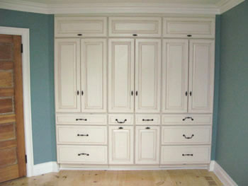 Master suite masterpiece extreme how to for Master bedroom cabinet