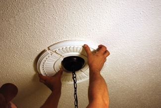 Easy-to-Install Ceiling Medallions - Extreme How To