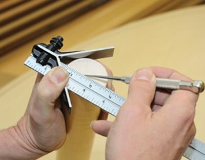 Scribing center line of roundstock