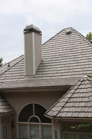 The finished Bellaforté shake roof has special hip-and-ridge tiles and rake tiles for a detailed, finished appearance.