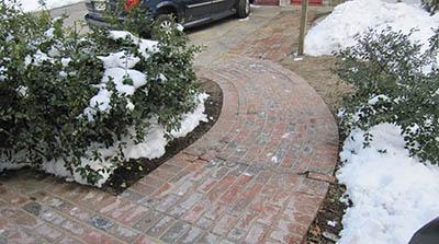 "wet set"" brick-and-mortar patio"