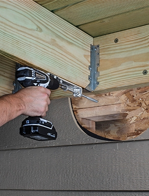 The DTT1Z deck tension-tie from Simpson Strong-Tie Satisfies the latest deck ledger code requirements.