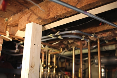 Fixing a Damaged Floor Joist - Extreme How To
