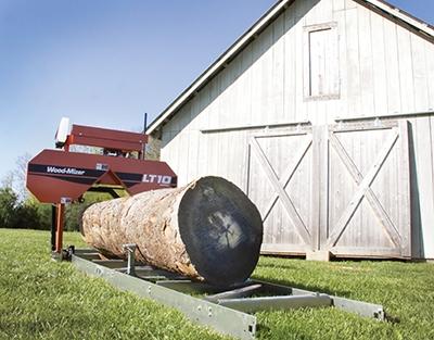wood-mizer-lt10-sawmill-barn