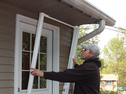 Save & Install a Retractable Door Screen - Extreme How To