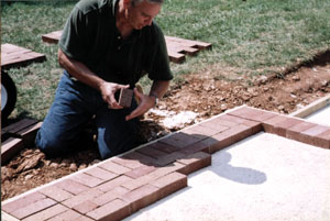 Bricks May Be Laid On A Mortar Bed, Or On A Sand Bed. The Latter Is The  Most Common And The Easiest To Do. The Bricks Are Supported By A Gravel  Base, ...